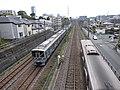 多摩市内で並走する京王線と小田急線140514.jpg