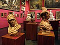 031 Biblioteca Museu Víctor Balaguer, escultures de la pinacoteca.jpg
