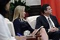 06.08 總統接見「美商美光科技公司訪問團」,在坐訪賓聆聽雙方交流 (35041206721).jpg