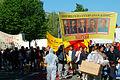 1. Mai 2011 Hannover Klagesmarktkreisel Banner Transparent Yasasin Proleterya Enternasyonaliszmi Partizan von Marx Stalin Mao.jpg
