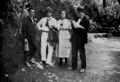 1918, Llorens Artigas, Pablo et Magali Gargallo et le musicien Jose Soler au Tibidabo, Barcelone,© Archives P. Gargallo.tif