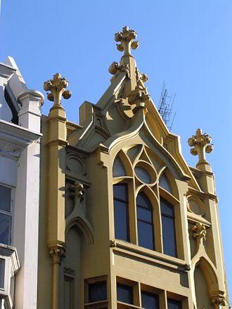 Nahum Barnet - Image: 1930s gothic facade on bourke street mall melbourne