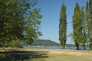 Lake Sammamish State Park - Image: 2006 08 0449lake sammamish washington