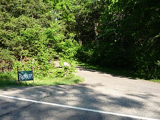 Panic Stations (album) - Sign and driveway for the secluded Pachyderm Studio, located in a old-growth forest.