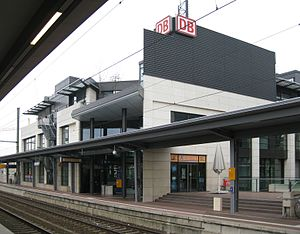 Siegburg/Bonn station - Station building (track side)