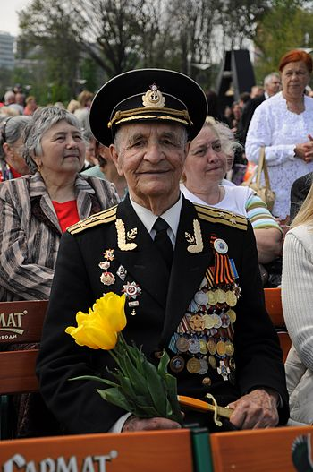 Soviet war veteran honoured in Victory Day in ...