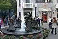 2014.11.17.163104 Fountain Plaza Plaza Xintiandi Shanghai.jpg