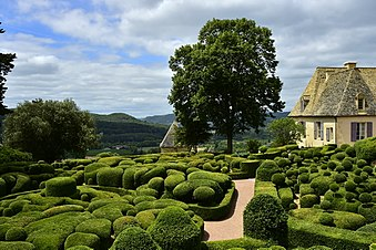 The Chateau de Marqueyssac, featuring a French formal garden, is one of the Remarkable Gardens of France. 2015 Jardins de Marqueyssac (1).jpg