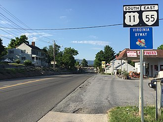 Strasburg, Virginia - View south along US 11 and east along SR 55 in Strasburg