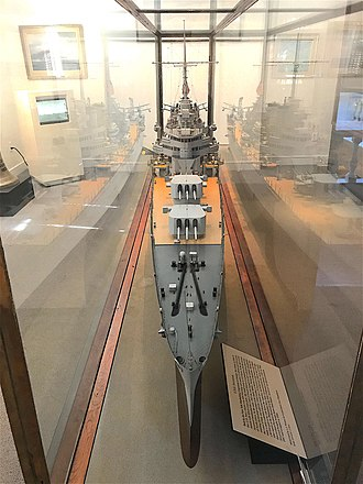 USS Savannah (CL-42) - Image: 20181030 USS Savannah CL 42 Builders Model from bow