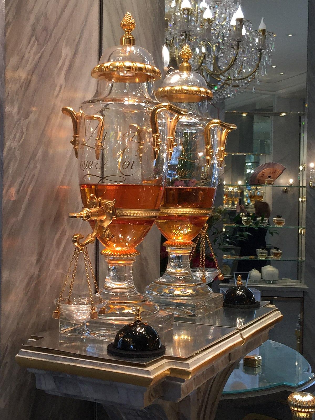 Fleur Pour Decoration Salon parfums caron - wikipedia