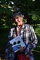 309e04c Ausstellung WasserKunst Zwischen Deich und Teich, unter den Gästen erschien auch Viktoria Krüger, Architektin und Initiatorin der Gartenregion Hannover, wieder einmal als lebendes Kunstwerk.jpg