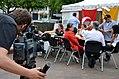 60d6f Kameramann Christian Janke vom NDR Norddeutscher Rundfunk filmt die Menschen an der Mahnwache am Klagesmarkt in Hannover wegen der Proteste in der Türkei 2013.jpg