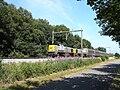 7777 en 7775 met Opeltrein bij Dijkerhoek.JPG