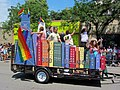 909 W. Belmont Chicago Skyline Float (9185644866).jpg