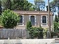 92 Casa a la Granada, vora la via del tren.jpg