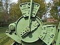 AWietze Deutsches Erdölmuseum grüne Pumpe Detail 1.jpg