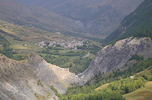 Villar-d'Arêne - A general view of the village from the nearby hillside