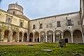 Abbazia Montescaglioso II chiostro.jpg