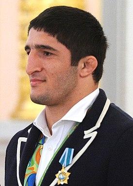 Abdulrashid Sadulaev 2016.jpg