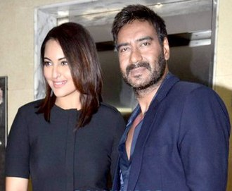 Sonakshi Sinha - Sonakshi Sinha with Ajay Devgan during the promotions of Action Jackson (2014)