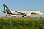 Alitalia, EI-DSL, Airbus A320-216 (27843246744) (2).jpg