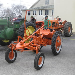 Allis-Chalmers Model G - Front view of an Allis Chalmers G
