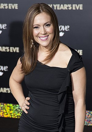 Alyssa Milano - Alyssa Milano attending the premiere of the film New Year's Eve in 2011