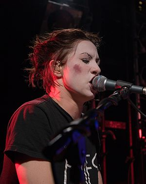 Amanda Palmer - Palmer performing with The Dresden Dolls at Kings Arms Tavern in Auckland, New Zealand, September 2006