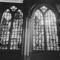 Amsterdam Restauratie Oude of St Nicolaaskerk gebrandschilderde ramen in de v, Bestanddeelnr 913-1688.jpg