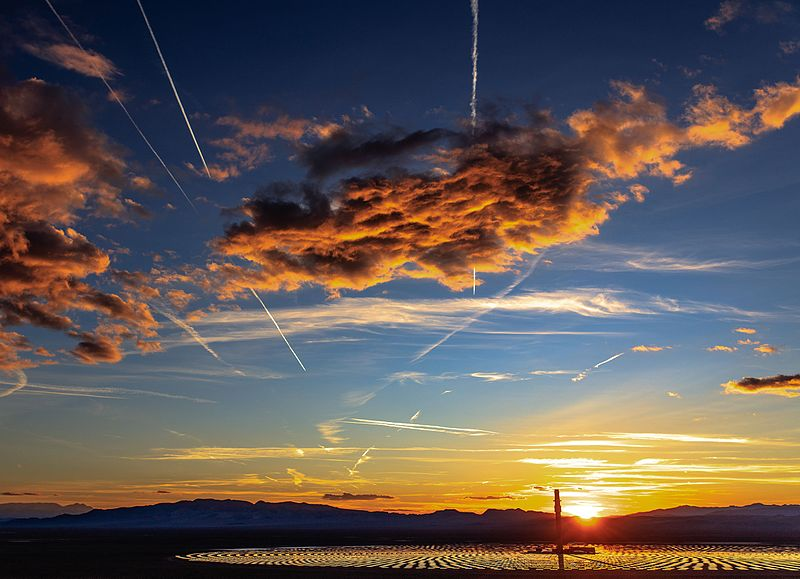 File:An evening at Crescent Dunes near Tonopah, Nevada - sunset over the Crescent Dunes 110 MW Solar Thermal Power generating station - (26430793753).jpg