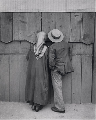 Street photography - Andre Kertesz. Circus, Budapest, 19 May 1920