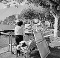 Ascona Schilderes werkende aan de waterkant, Bestanddeelnr 254-4833.jpg