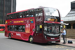 Au Morandarte Flickr Reading Buses 751 (YX64 VRL) on Route 21, Reading Station (15390405558).jpg