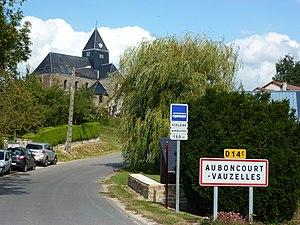 Auboncourt-Vauzelles - Entrance to the village