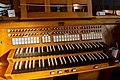 Augsburg-Oberhausen, St. Martin, Orgel-Spieltisch 2019-10.jpg