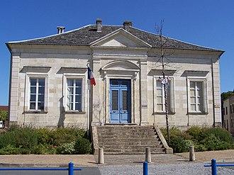 Auros - Town hall