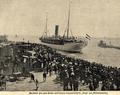 Ausfahrt des nach China bestimmten Lazarettschiffs 'Gera' aus Wilhelmshaven, 1900.png