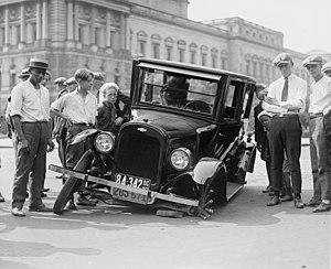 Auto wreck, USA, 1923.jpg