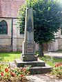 Avernes (95), monument aux morts, devant l'église.jpg