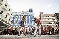 Bailarines de rumba cubana en la plaza de los trabajadores de Camagüey, Cuba.jpg