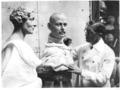 Bernard Tussaud befejezi Lady Alice Scott és a Gloucesteri herceg viasszobrát – London, 1935.10.16.tif