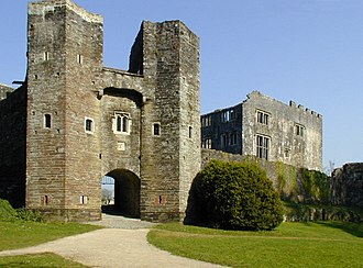 Berry Pomeroy Castle - Image: Berry Pomeroy Castle geograph.org.uk 411651