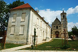 The abbey and church in Berteaucourt-les-Dames