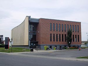 Villeray–Saint-Michel–Parc-Extension - Saint-Michel library