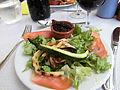 Bistrot de pays à Caseneuve salade de chèvre chaud à la tapenade et aux aubergines.jpg