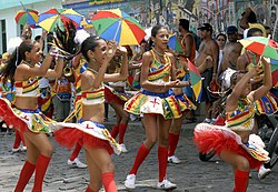 Blocos de rua brincam nas ladeiras de Olinda
