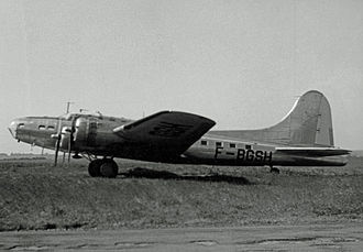 Institut géographique national - Boeing B-17 survey aircraft of the IGN at Creil airfield in 1957