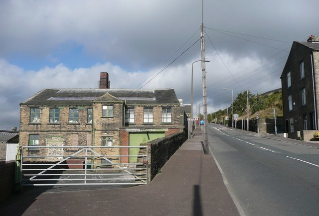Boothtown Road A647, Halifax - geograph.org.uk - 999103