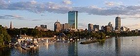 Skyline de Boston depuis Charles River